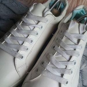 1eb7bf5046ff1d Sam Edelman Shoes - EUC Sam Edelman Connor Bright White Sneakers